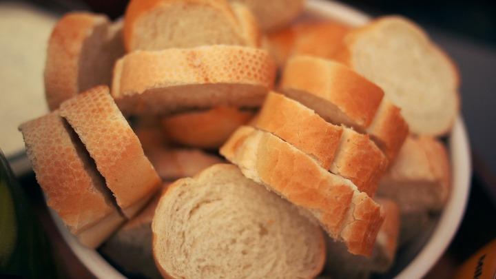 bread-1245948_1280
